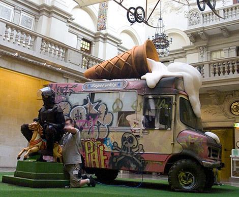Banksy Bristol Museum show 2009