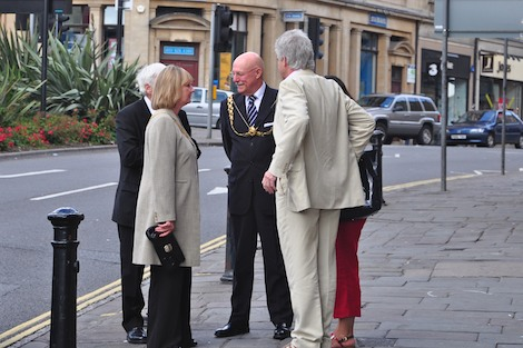Bristol Mayor arrives at Banksy show